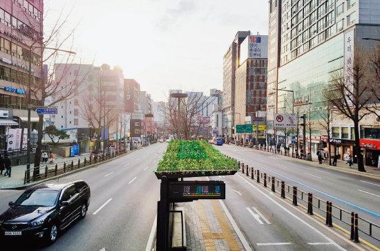 한산한 서울지하철 2호선  홍대입구역 인근. [사진 제공 · 서울시]