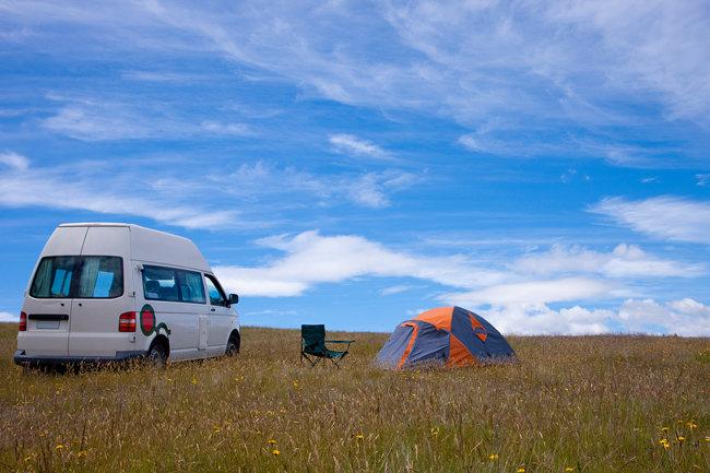 차에서 숙박을 해결하는 차박 캠핑이 인기다. [뉴스1]