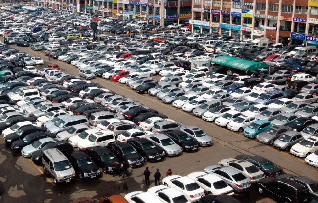 경기 인근의 중고차 매매 단지. 중고차시장은 코로나19 사태로 매출이 줄었다. [동아DB]