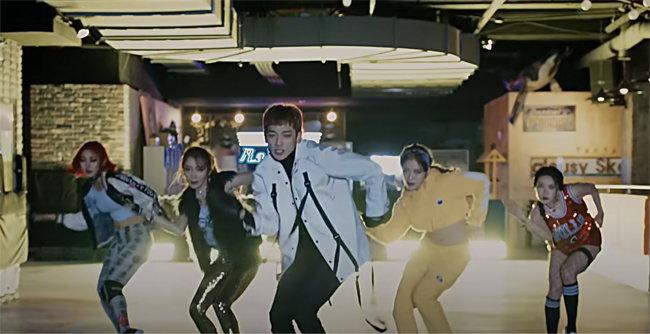 비의 '깡' 뮤직비디오 촬영지 대부분이 인천에 있다. [유튜브 캡처]