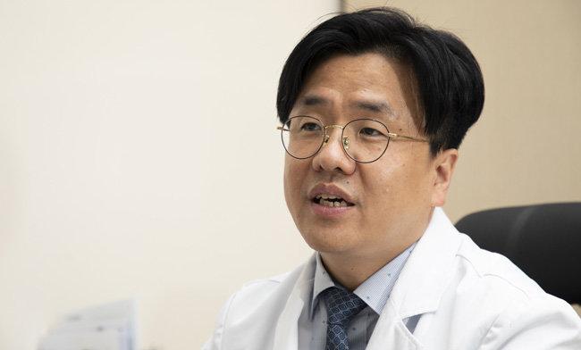 이재갑 한림대강남성심병원 감염내과 교수. [조영철 기자]