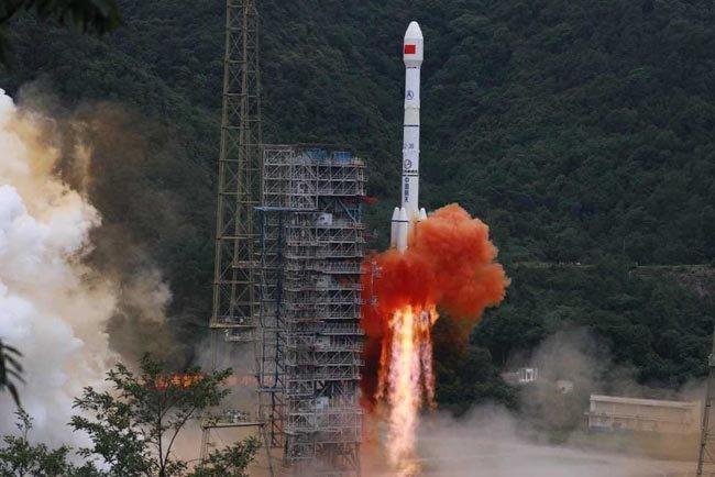 중국이 베이더우 위성항법시스템의 마지막 위성을 발사하고 있다. [China Daily]