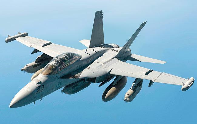 세계 최강 전자전 공격기 EA-18G 그라울러. [미국공군 제공]