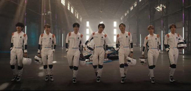 세계적인 전기차 레이싱 대회 포뮬러 E의 모델인 방탄소년단(BTS). [포뮬러 E 제공]