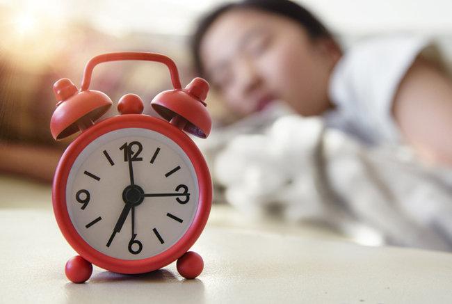 과거에는 하루에 두 번 잠을 나눠 자기도 했다.  [GETTYIMAGES]