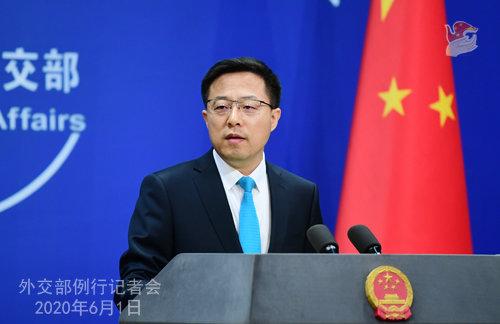 자오리젠 중국 외교부 대변인이 미군이 중국 우한에 코로나19를 전염시켰다고 주장하고 있다. [뉴시스]
