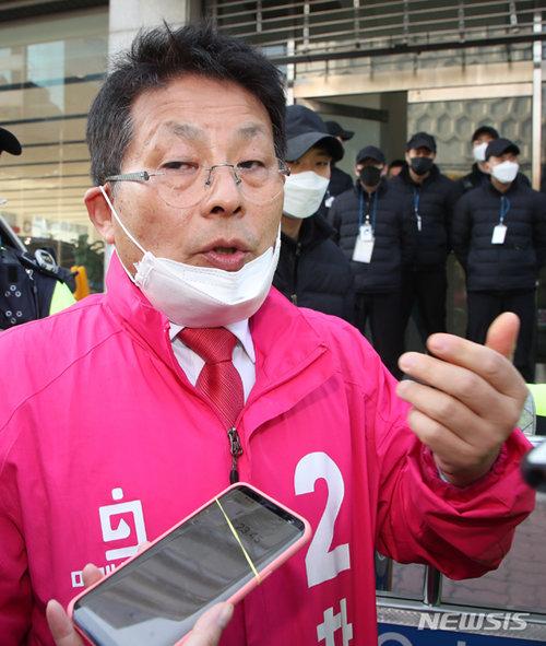 세월호 사건과 관련한 망언으로 논란을 불러 일으켰던 차명진 전 의원. [뉴시스]