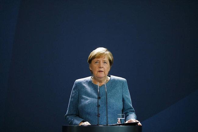 앙겔라 메르켈 독일 총리가 러시아 정부에 나발니 암살 시도의 진상 규명을 요구하고 있다. [DPA]