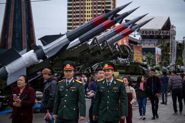 북한이 동해안에 배치한 중거리 지대공 미사일 S-125(NATO 분류명 SA-2). [GettyImages]