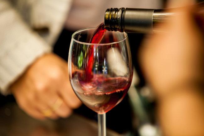 와인업계는 초저가 와인으로 승부수를 띄웠다. [GETTYIMAGES]