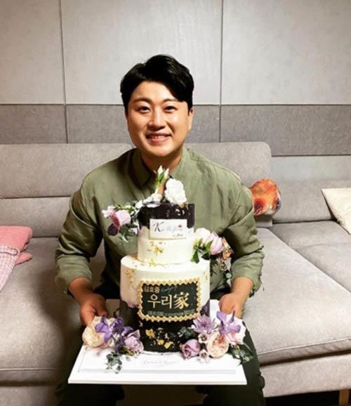 첫 정규앨범 선주문이 시작된 9월 5일 김호중은 인스타그램을 통해 팬들의 한결같은 응원에 고마움을 표했다. [김호중 인스타그램]