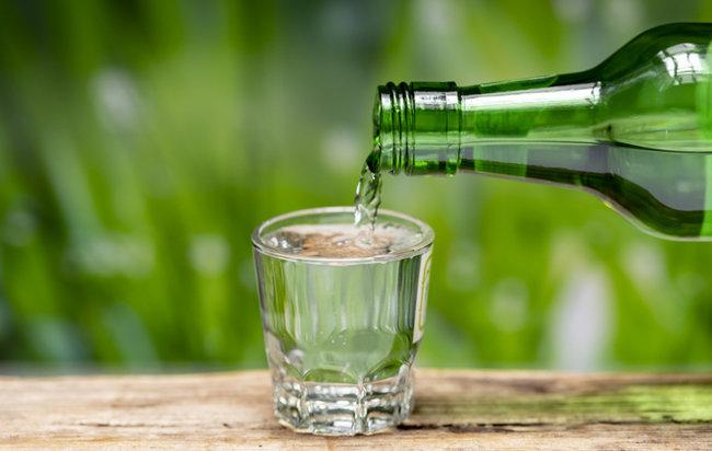알코올은 그 자체로 칼로리가 탄수화물과 단백질보다 높다. [GettyImage]