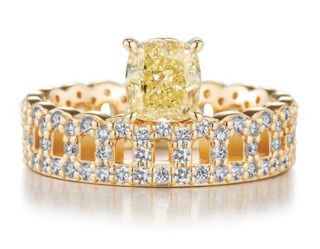 옐로 다이아몬드가 세팅된 헤리티지 컬렉션. [골든듀]