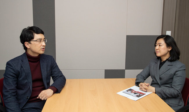 국민의힘 김병욱 의원과 같은 당 황보승희 의원이 청년 정치 문제에 대해 말하고 있다. [조영철 기자]