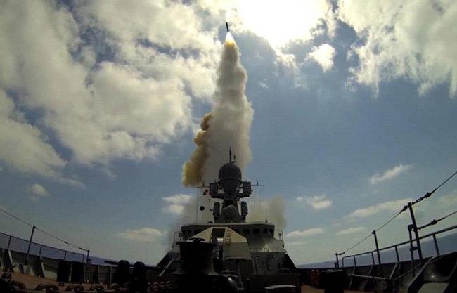러시아가 극초음속 순항미사일 지르콘을 시험발사하고 있다. [러시아 국방부]