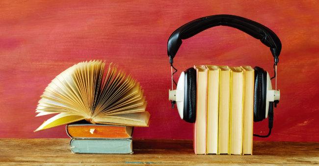 Z세대 사이에서 오디오북 수요가 늘고 있다.  [GettyImages]