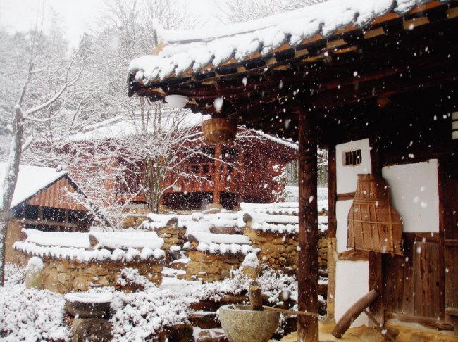 '윤스테이' 촬영지인 쌍산재의 겨울 풍경. [쌍산재 홈페이지 캡처]