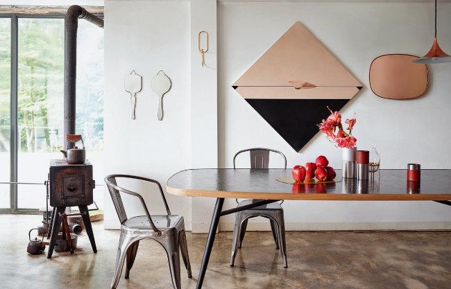 안다빈 작가의 작품으로 갤러리처럼 꾸민 집. [사진 제공 · 오픈갤러리]
