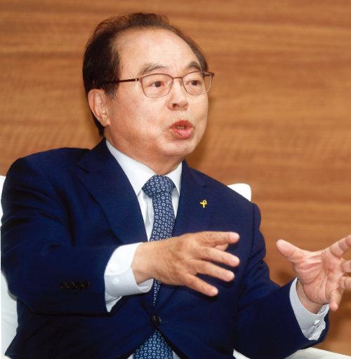 성추행 사건으로 사퇴한  오거돈 전 부산시장.  [동아DB]