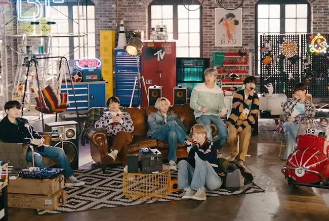 MTV 언플러그드 공연에서 완벽한 라이브와 퍼포먼스를 보여준 방탄소년단(BTS). [MTV 영상 캡처]