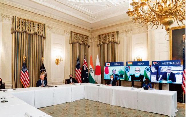 미국, 일본, 호주, 인도 등 쿼드 4개국 정상이 3월 12일 화상회의를 하고 있다. [미국 백악관 트위터]