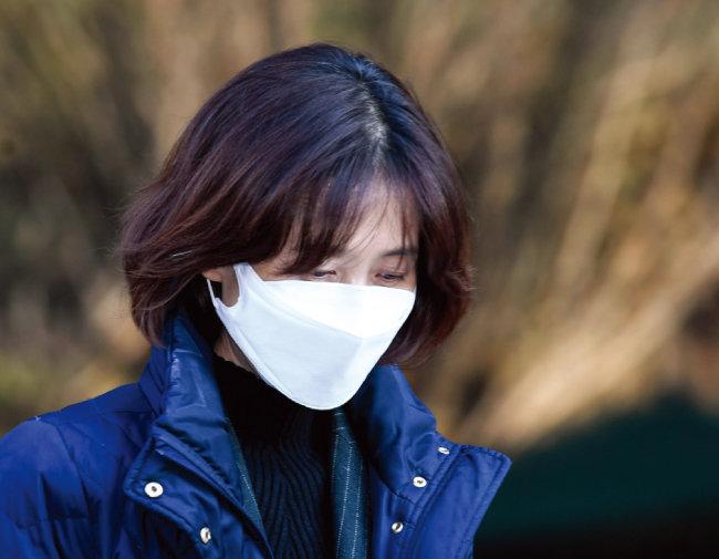 지난해 12월 1일 박은정 법무부 감찰담당관이 법무부 감찰위원회에 참석한 후 법무부 청사를 나서고 있다. [박영대 동아일보 기자]