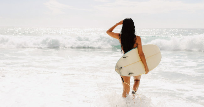 언제나 처음  하는 기분이 들어  즐거운 서핑. [GettyImages]