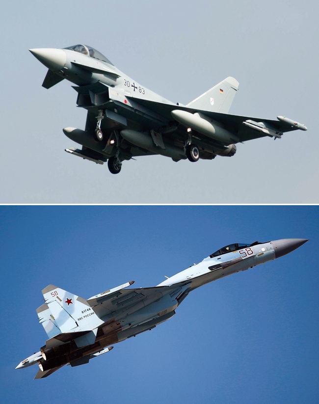 KF-21 성능은 유럽이 공동개발한 유로파이터 타이푼(위)과 러시아 Su-35를 능가할 것으로 예상된다 [위키피디아, AP=뉴시스]