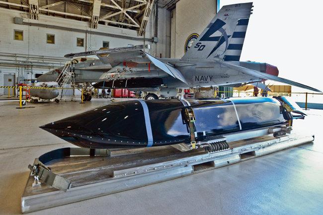 AGM-158C 장거리대함미사일 (LRASM). [사진 제공 · 미 해군]