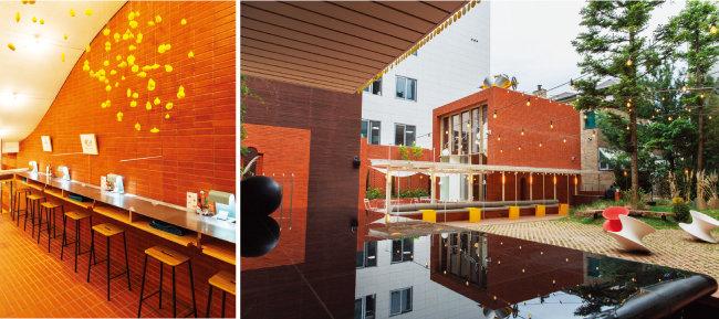 혼자 와 식사하기 좋은 자리가 마련돼 있다(왼쪽). 2층에도 사진 찍기 좋은 공간이 많다. [김도균]