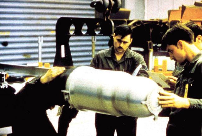 미국은 AGM-183A ARRW에 W80 계열 열핵탄두(사진)를 장착해 운용할 가능성이 높다. [위키피디아
