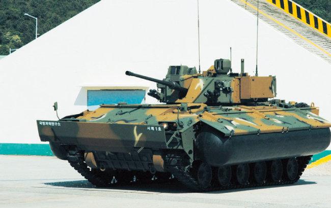 한화디펜스 AS-21 보병전투장갑차는 해외시장에서 호평받고 있다. [사진 제공 · 한화디펜스]