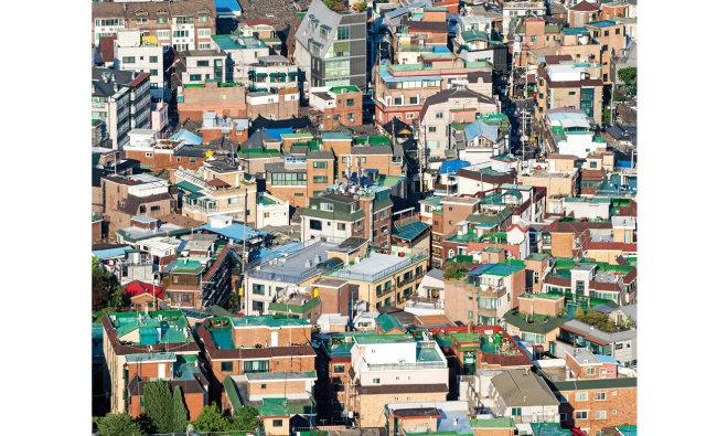 1990년대 정부의 부동산정책으로 다가구주택이 흔한 거주 공간이 됐다. [GETTYIMAGES]