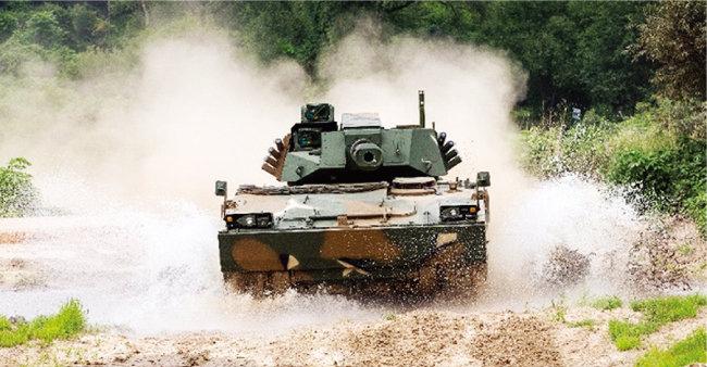 한국산 K21-105 경전차. [사진 제공 · 한화디펜스]