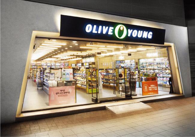 CJ올리브영은 지난해 12월 프리IPO(상장 전 투자 유치)에 성공해 내년 상장을 준비하고 있다. [사진 제공 · CJ올리브네트웍스]