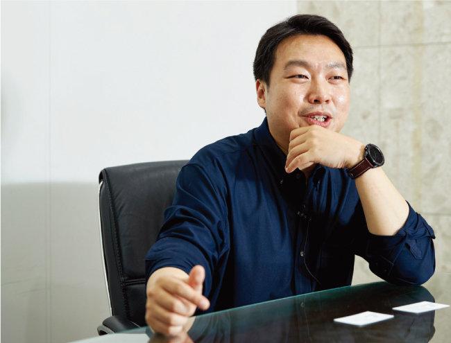 김영빈 대표는 모든 사람이 투자의 원리, 돈의 속성 등에 대해서 공부하면 좋겠다고 말한다. [홍중식 기자]