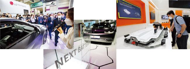 6월 9일 서울 코엑스에서 열린 '인터배터리 2021'에서 K배터리 업계가 최신 배터리 기술과 미래 기술을 대거 선보였다. 왼쪽부터 LG에너지솔루션, SK이노베이션, 삼성SDI 부스. [뉴시스, 뉴스1]