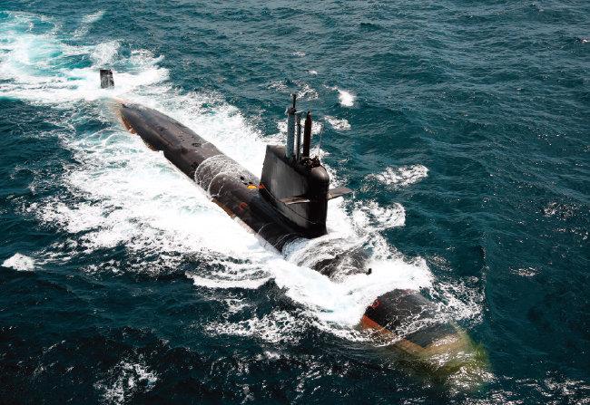 프랑스 방위산업체 나발그룹이 기술 도입 사업 형태로 인도 해군에 납품한  칼바리급 잠수함. [사진 제공 · 인도 해군]