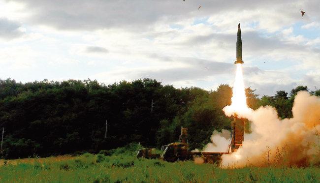 잠수함발사탄도미사일 (SLBM)로 개조돼 'DSME 3000'에 탑재될 현무-2 미사일. [사진 제공 · 육군]