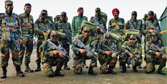 망명 티베트인으로만 구성된 인도 특수국경군 장병들. [Dnaindia]