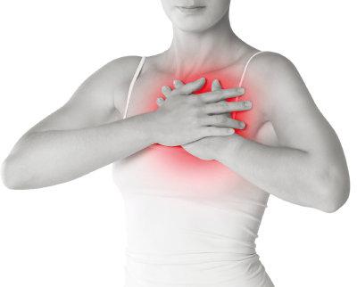 가슴이 콕콕 쑤시는 느낌이 들고 유방이나 겨드랑이에서 통증 없는 멍울이 잡힌다면 유방암 검사를 받아야 한다. [GETTYIMAGES]