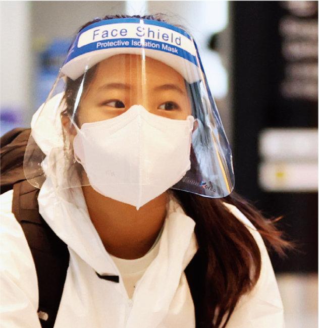 이날 선수들은 마스크와 방호복, 얼굴 가리개 등으로 중무장했다. [올림픽사진공동취재단=동아일보]