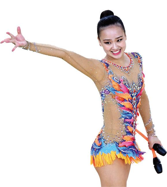 2012 런던올림픽에 출전한 대한민국 국민 여동생 손연재. 발랄하면서도 동양미가 묻어나는 메이크업으로 시선을 모았다. [동아DB]