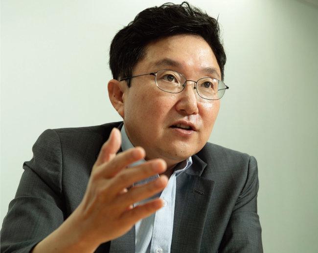 국민의힘 김용태 전 의원이 8월 23일 서울 영등포구 원희룡 선거캠프에서 '주간동아'와 인터뷰하고 있다. [조영철 기자]