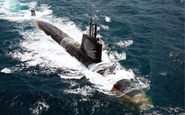 프랑스 방위산업체 나발그룹(Naval Group)이 기술이전 형태로 건조한 인도 해군 스콜펜급 잠수함. [사진 제공 · 인도 해군]