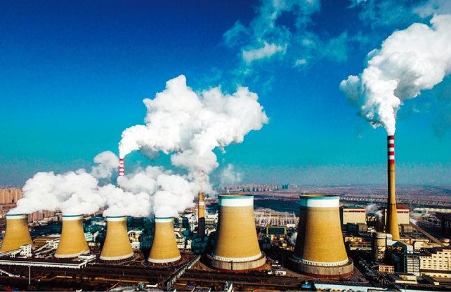중국 산시성 석탄화력 발전소에서 이산화탄소 등이 포함된 연기가 나오고 있다. [IC]