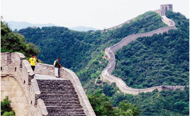 중화주의는 중국과 '오랑캐'의 구별에 기초한다. 사진은 중국 만리장성. [동아DB]