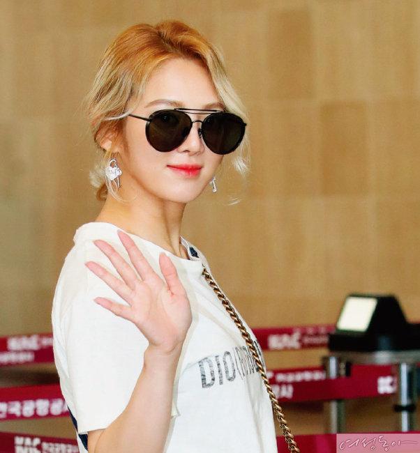 소녀시대 효연의 애시골드 헤어.
