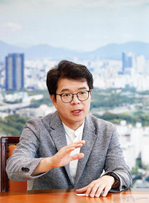 """""""차별화한 치매 예방 프로그램에 만족도 높아"""""""