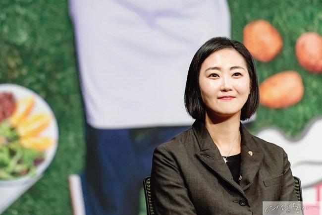 '먹방'으로 남편 신동엽과 경쟁하는 선혜윤 PD